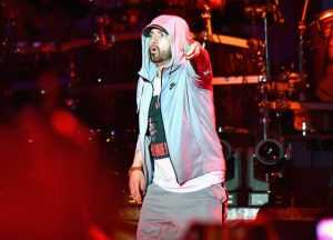 Eminem Becomes the only artist to have SEVEN albums reach 1 Billion Streams on Spotify